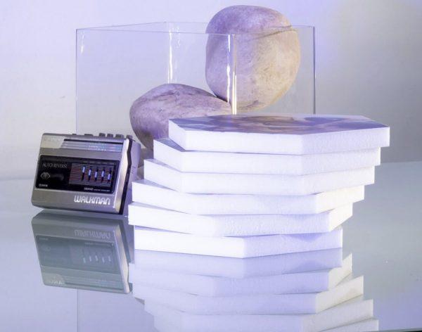 foto-tiles-apilados-en-mesa